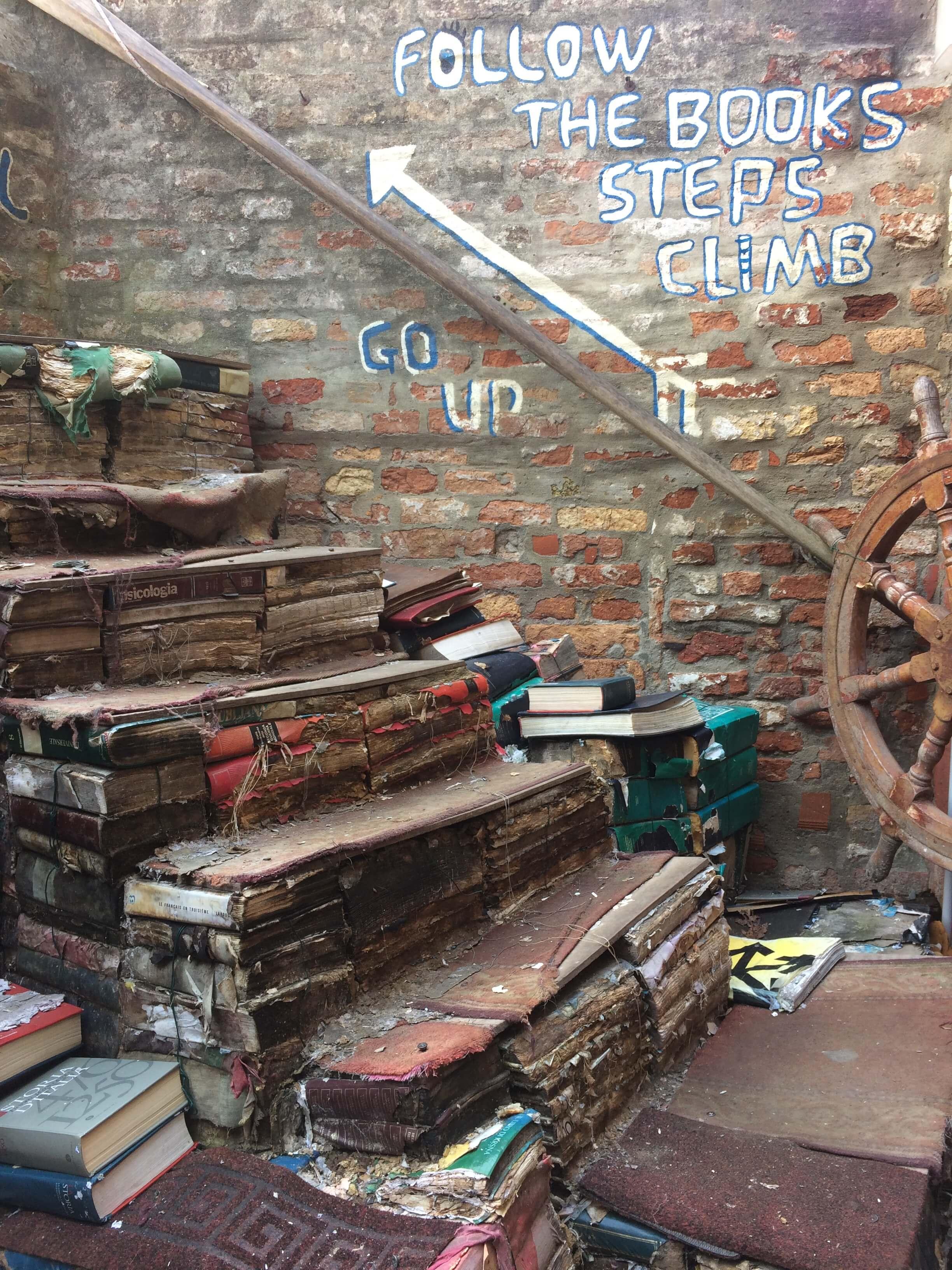 libreria acqua alta - venezia 7