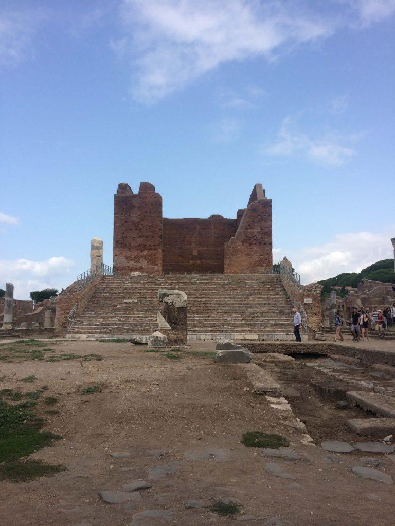 Il Capitolium - Ostia Antica